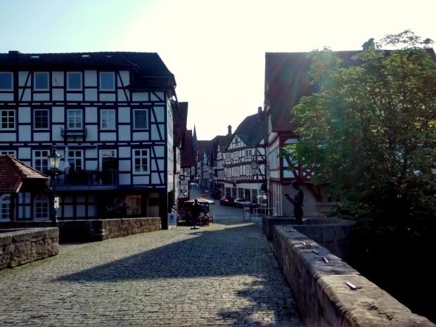 A la entrada del pueblo había varias estatuas de leñadores, dado que hace años en Melsungen la mayoría de la gente vivía de esta profesión.