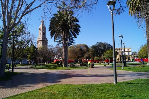 Esta es la Plaza de Armas, donde están el museo arqueológico, la oficina de información turística y la catedral.
