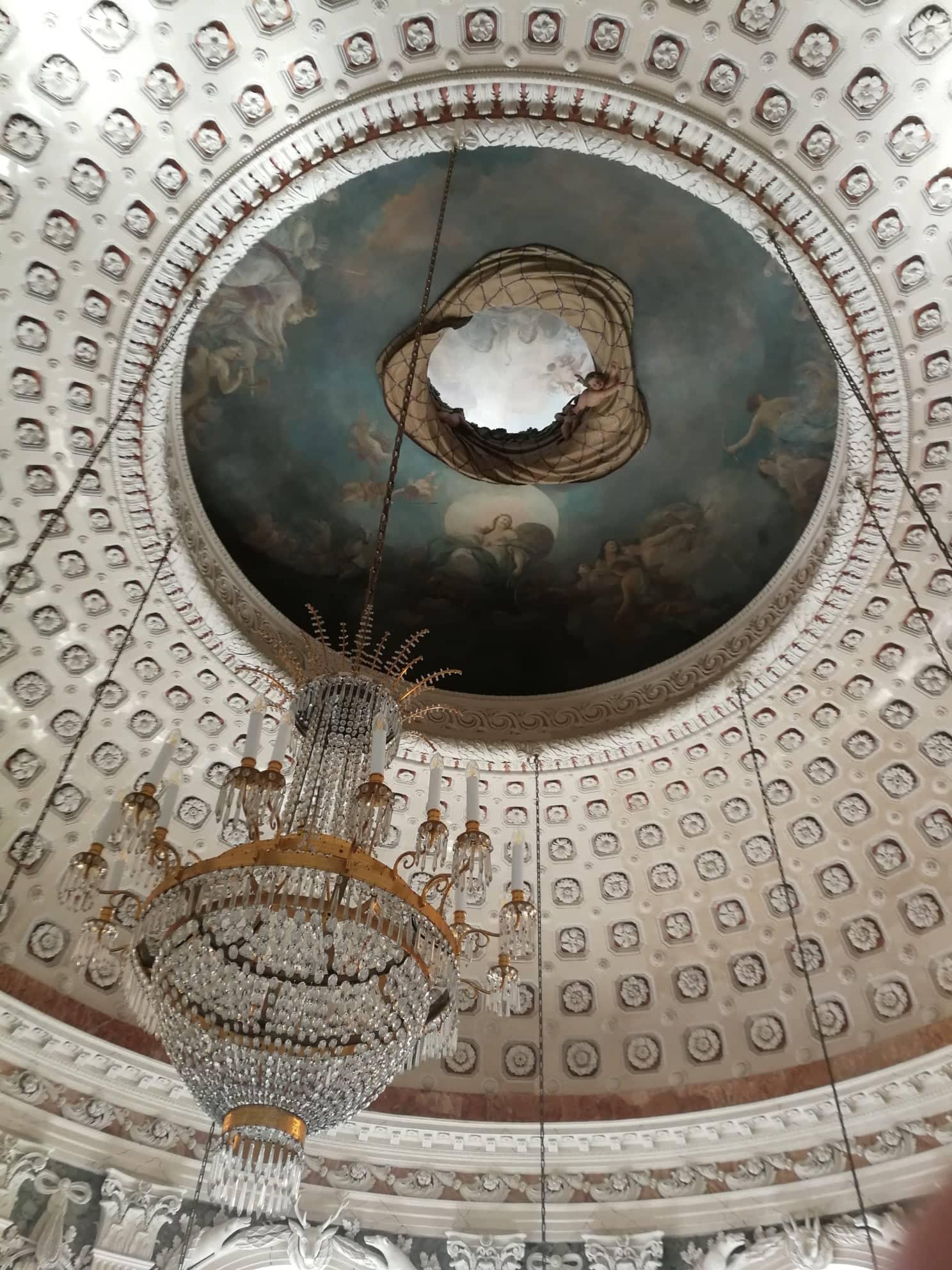 Cúpula del salón de baile del Palacio de Benrath.
