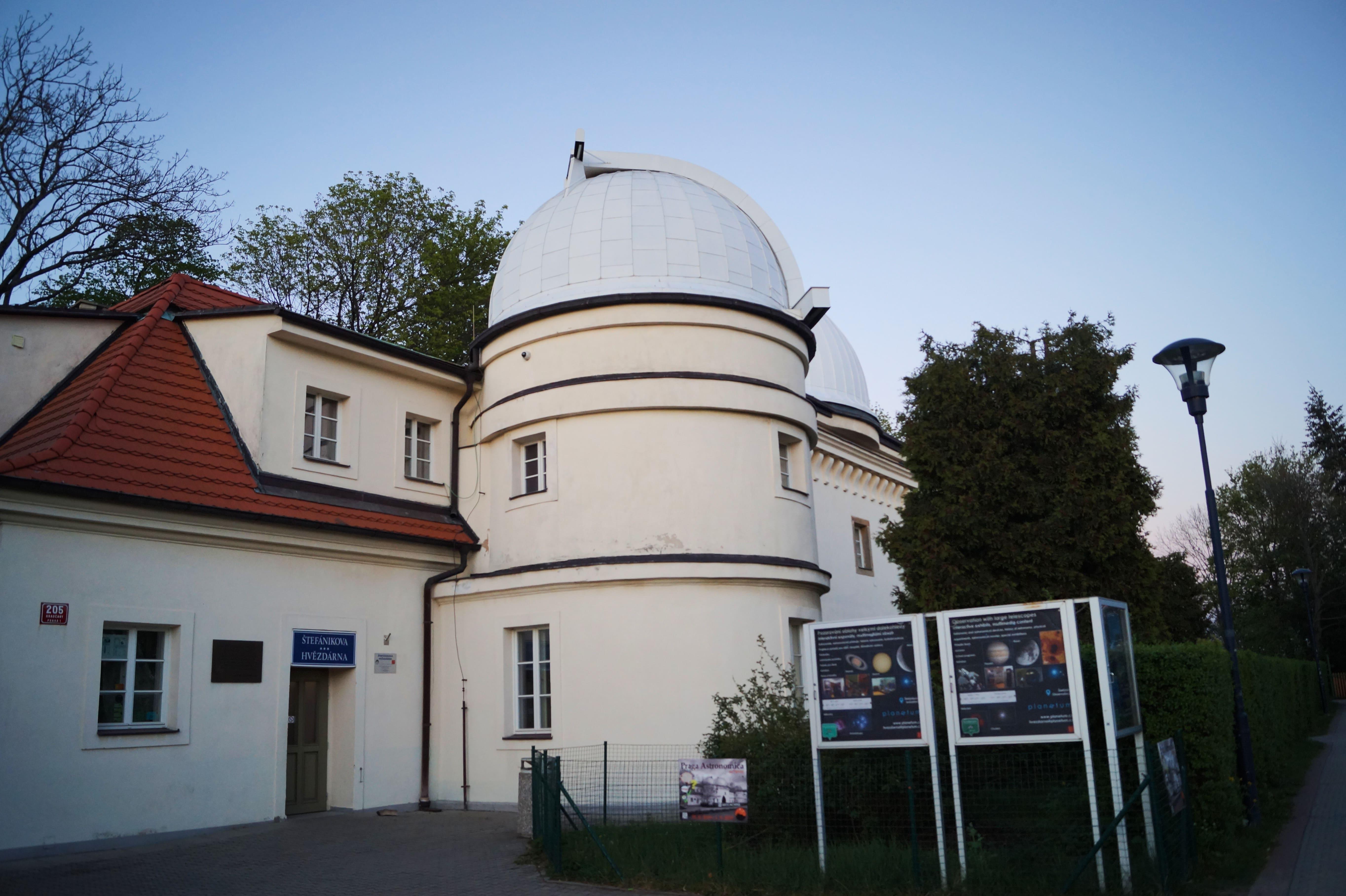 Planetario en el Monte Petrín.