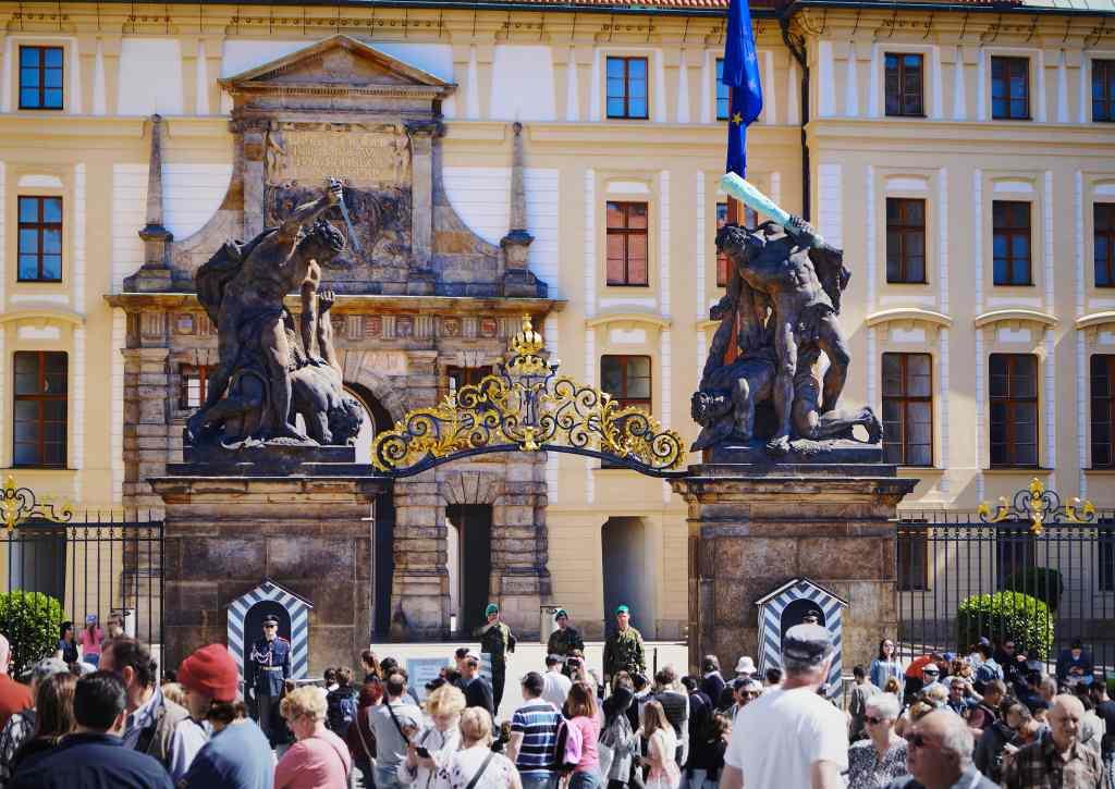 Entrada al Castillo de Praga.